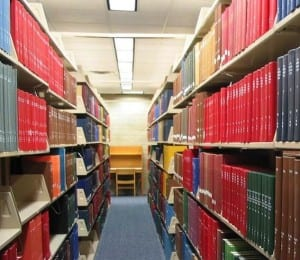 Photo of library academic journals by Anna Creech used under a Creative Commons license