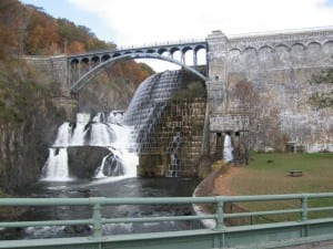 New_Croton_Dam_from_below wikipedia user Matthiasb