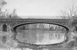 oakwood cemetery bridge troy