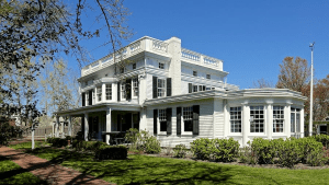 captain-albert-rogers-mansion-built-in-1843-photo-by-jeff-heatley-2013