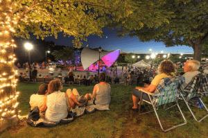 Amsterdam Riverlink Park concert