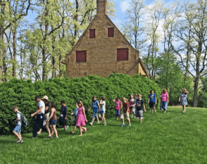 4th Grade Students Tour the Luykas Van Alen House in a Day of History