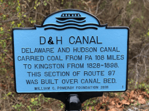 D&H canal marker