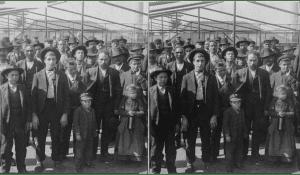 Emigrants detained at Ellis Island - Keystone-Mast Collection
