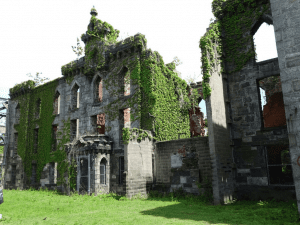 abandoned small pox hospital on Roosevelt Island