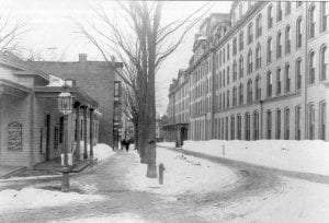 Looking down Division St in Saratoga c 1910 from the depot to Broadway