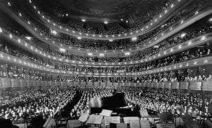 full house at the old Metropolitan Opera House in 1937